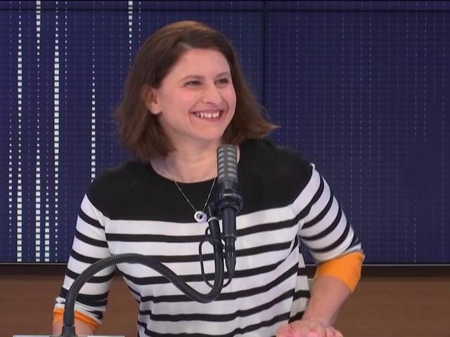 """VIDEO. """"Emmanuel, fais du sport !"""", lance Roxana Maracineanu au président de la République qui a pris un peu de poids"""