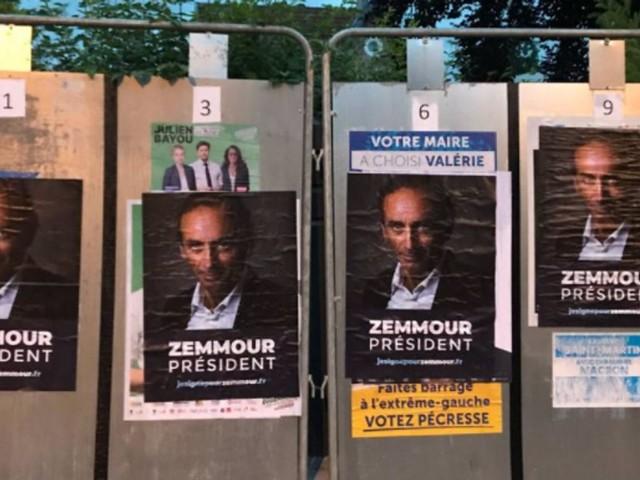 """""""Zemmour président"""": qui se cache derrière cette campagne d'affichage?"""