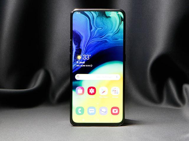 Test du Samsung Galaxy A80 : un smartphone ingénieux... vendu au prix fort