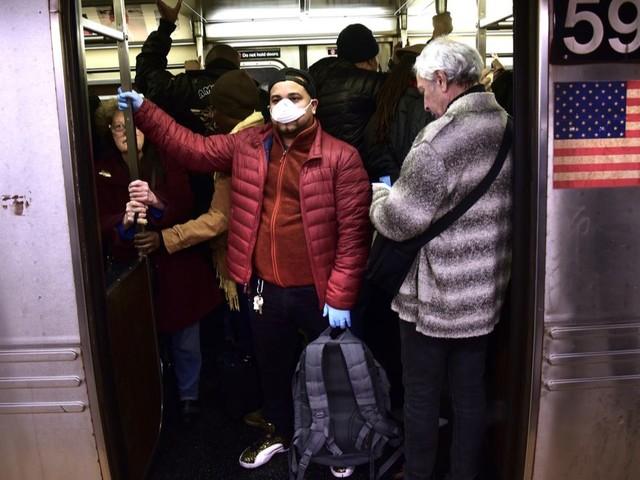 Le gouverneur de New York craint que la propagation du coronavirus dure plus de 9 mois