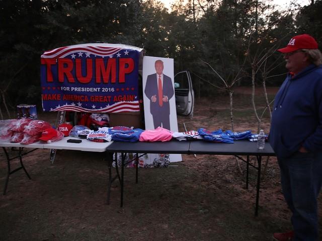Donald Trump passe un test électoral risqué en Alabama
