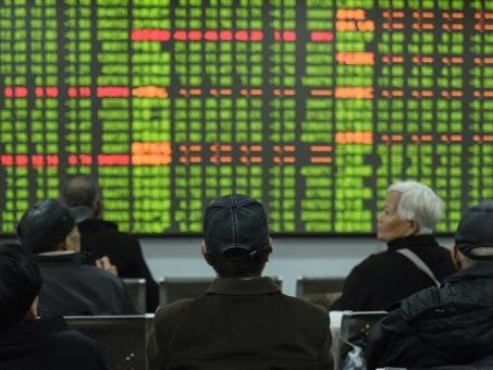Chine: le coronavirus plus meurtrier que le Sras, les Bourses plongent