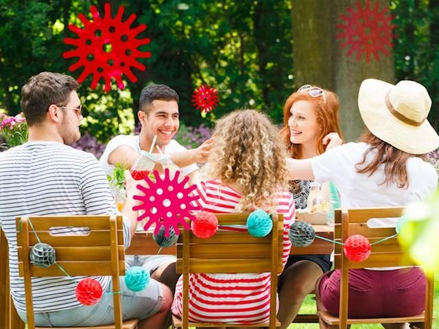 Les soirées entre amis deviennent des clusters: voici comment l'éviter