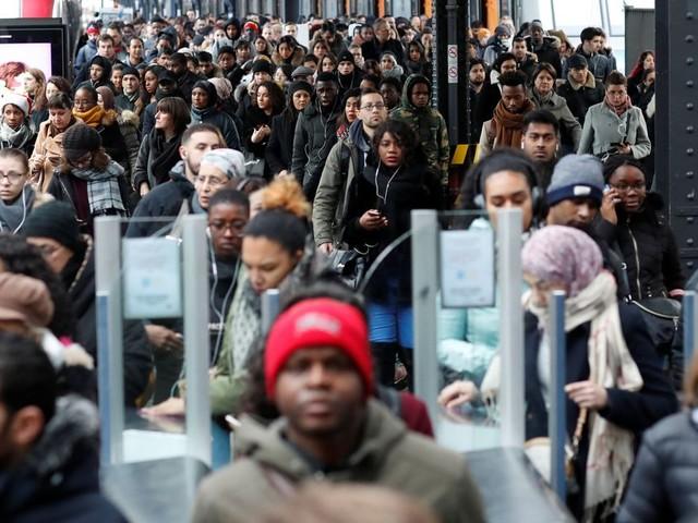 """Ce lundi, le trafic RATP sera """"très perturbé"""" avec des risques de saturation"""