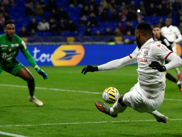 L1: Dembélé et Cornet, joueurs clés pour Lyon... et pour le mercato