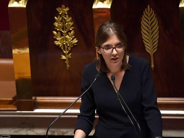 Aurore Bergé veut interdire le voile aux petites filles malgré l'opposition de l'exécutif