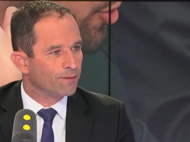 """Revenu universel d'activité d'Emmanuel Macron : """"Il y a la contrefaçon et le mensonge"""", réagit Benoît Hamon"""