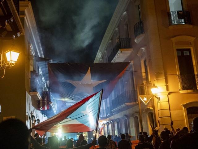 À Porto-Rico, les manifestants contre la gouverneure ont sorti la guillotine (et ce n'est pas une métaphore)