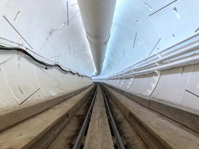 The Boring Company : Elon Musk annonce que le premier tunnel ouvrira en décembre