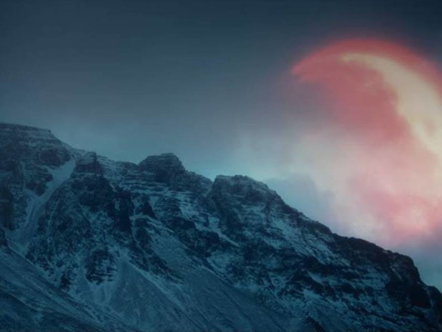 Ásgeir : toujours la lune en ligne de mire