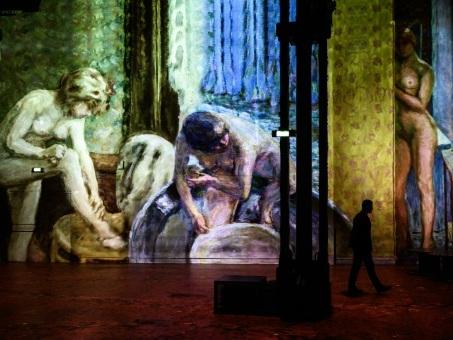 Expositions immersives: art, initiation à l'art ou simple spectacle?