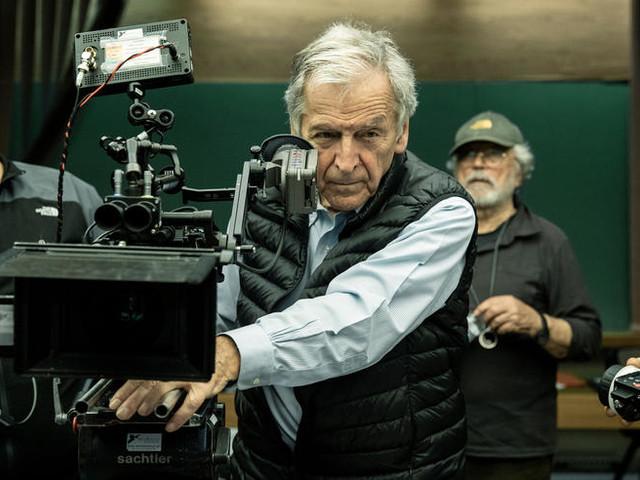"""""""Adults in the Room"""" : en Grèce, le film de Costa-Gavras est un sujet clivant, comme son héros"""