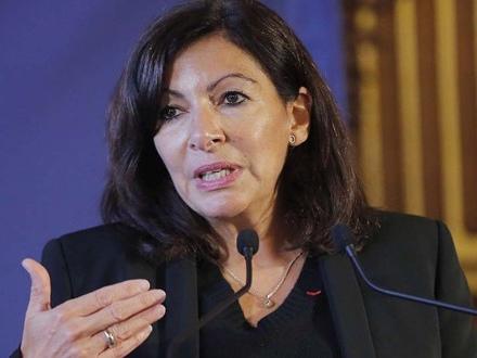 Paris: Anne Hidalgo renonce à la gratuité universelle des transports en commun