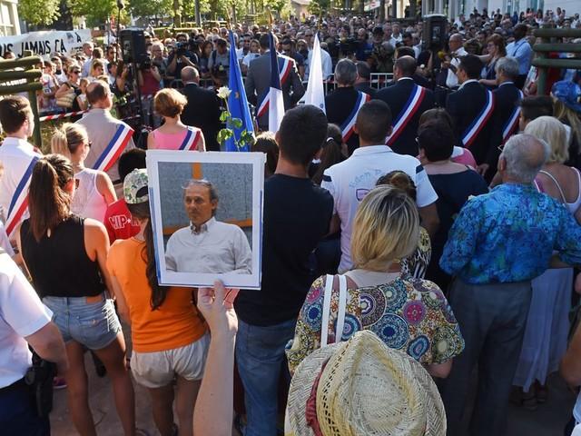 Le frère d'Hervé Cornara, décapité en 2015, exprime sa colère après la mort de Samuel Paty