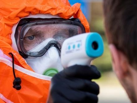"""Virus : le G7 déterminé face à une """"crise sanitaire mondiale majeure"""""""