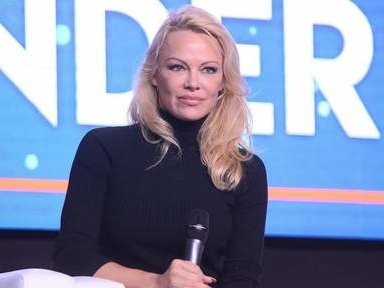 L'insensibilité de Pamela Anderson choque, elle refuse de s'excuser