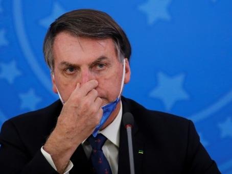 Brésil: le président Bolsonaro positif au coronavirus