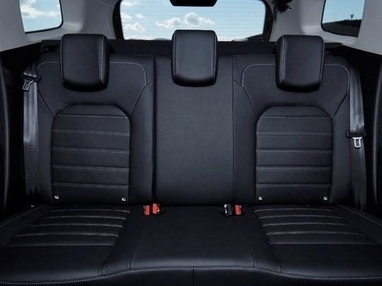 Sièges auto: le Dacia Duster et l'Opel Crossland X peu accueillants