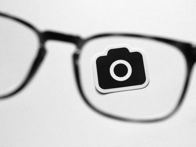 Facebook veut créer des lunettes qui remplacent le smartphone