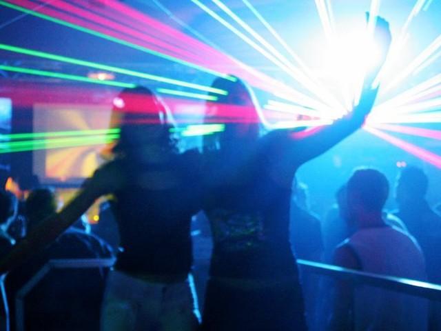 Covid-19 : un cluster de 78 personnes positives dans une discothèque de Lille, des centaines de cas contact