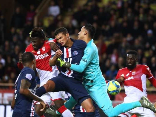 Ligue1: Paris s'impose à Monaco et Rennes consolide son podium