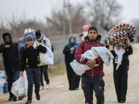 Migrants: Erdogan pose ses conditions à l'Europe, heurts frontaliers