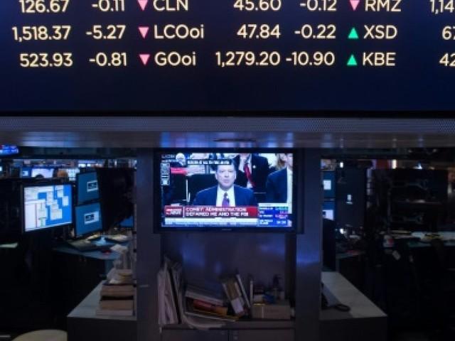 Wall Street ouvre en léger repli au lendemain de records