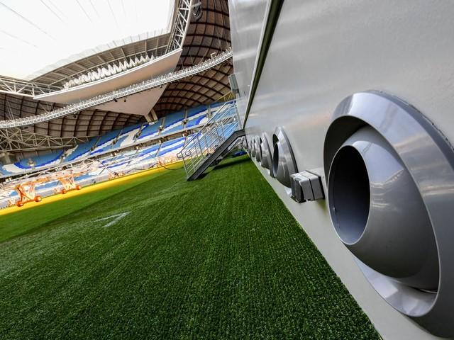 """""""On est à des années-lumière de ce qu'il faudrait faire"""" : la climatisation du stade des Mondiaux d'athlétisme au Qatar fait polémique"""