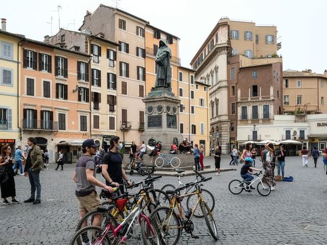 L'Italie accélère son déconfinement