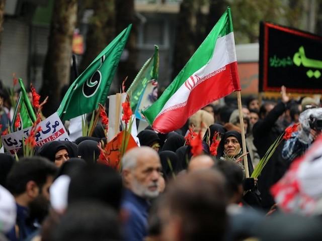 """Manifestations sanglantes en Iran : """"Le seuil de tolérance de la population s'abaisse"""""""