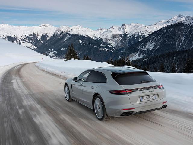Porsche: «Notre ambition est d'arriver à 50% de véhicules électrifiés dès 2020 en France»