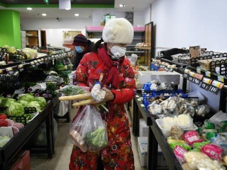 Chine: le virus tue encore mais la contamination ralentit