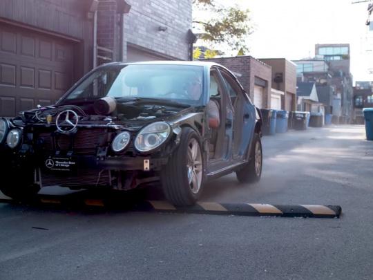 Il abîme sa Mercedes sur un ralentisseur et envoie la facture au Conseil départemental