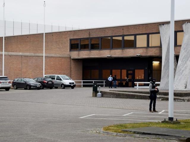 La prison de Bruges en service réduit ce lundi après une agression d'un agent pénitentiaire par un détenu: les visites et promenades sont supprimées