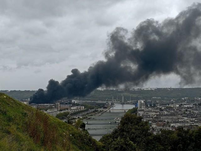 À Rouen, Lubrizol veut partiellement rouvrir avant la fin de l'année