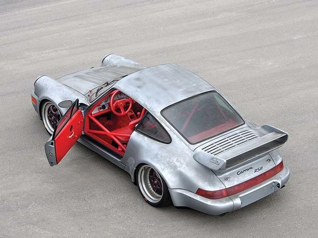 Une sortie de grange exceptionnelle avec cette Porsche