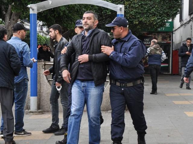 Présidentielle en Algérie: des centres de vote assiégés en Kabylie
