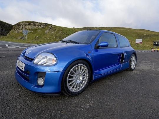 Oui, cette Renault Clio a été vendue 70 000€