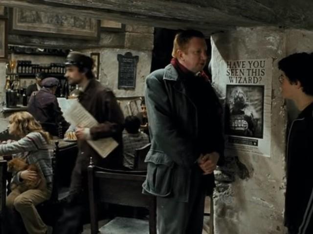 """J. K. Rowling détruit le mythe autour de ce pub de """"Harry Potter"""""""