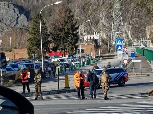 """Déploiement policier et militaire à la centrale nucléaire de Tihange: """"On s'est fait doubler par des démineurs"""" (photo)"""