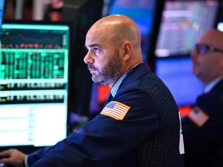 Wall Street hésite après le refus de Trump de lever tous les tarifs contre Pékin
