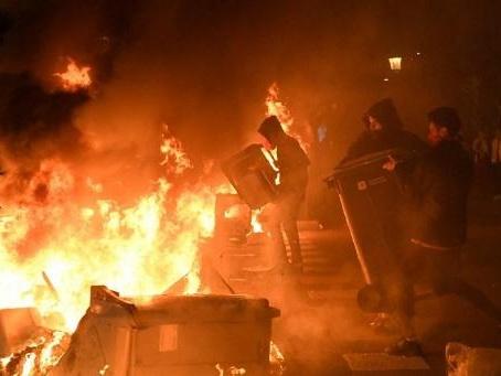 Nouvelle nuit de protestation en Catalogne, où 25 manifestants ont été interpellés