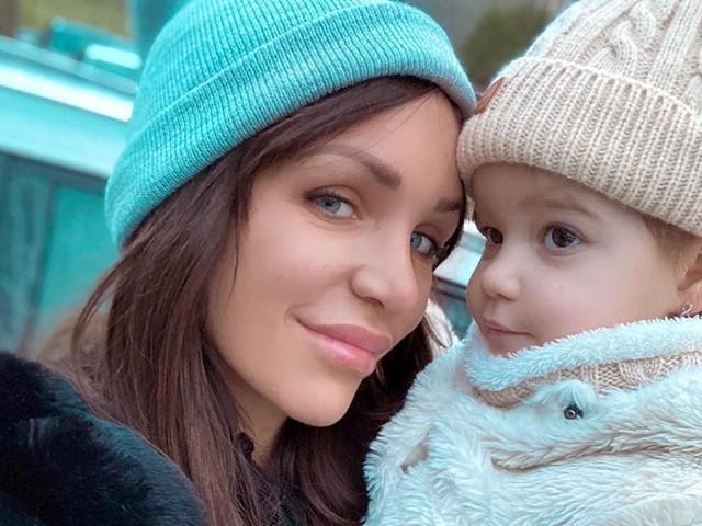 Julia Paredes et sa fille Luna atteintes du Coronavirus ? Elle est désemparée