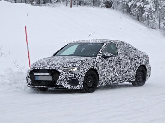 L'Audi A3 berline surprise dans la poudreuse