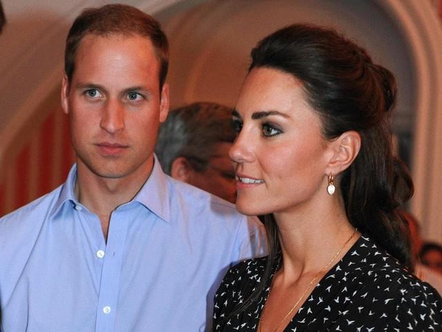 Kate Middleton et le prince William rejoignent la reine à Balmoral dans un avion Low Cost