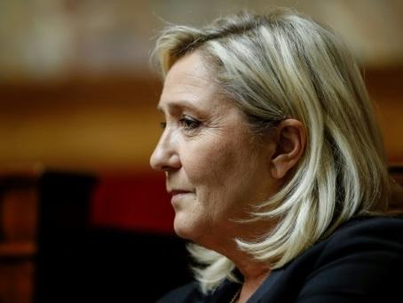 Municipales: Marine Le Pen en quête d'un ancrage pour 2022