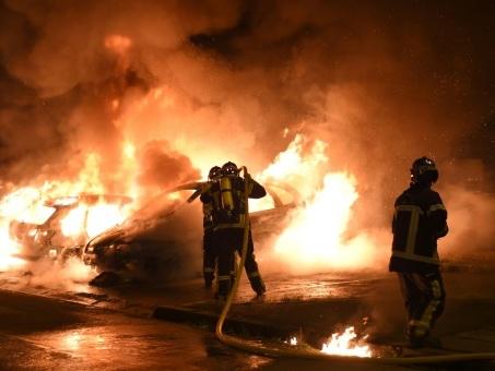 Jeune tué à Nantes: le policier mis en examen, nouvelle nuit de tension