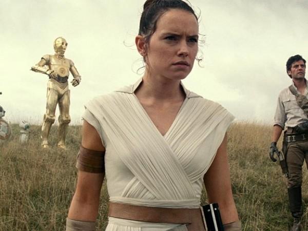 Star Wars 9 : J. J. Abrams dévoile le premier mot de L'Ascension de Skywalker