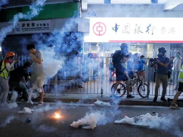 À Hong Kong, nouveaux affrontements pour le 16e week-end de manifestations
