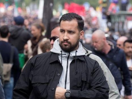 Affaire Benalla: que risque le collaborateur de Macron?